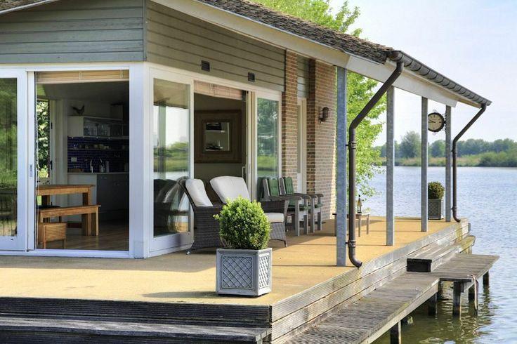 Prachtige recreatiewoning aan het water - Wintersweg 8 E te Mijnsheerenland - www.vrielingmakelaars.nl