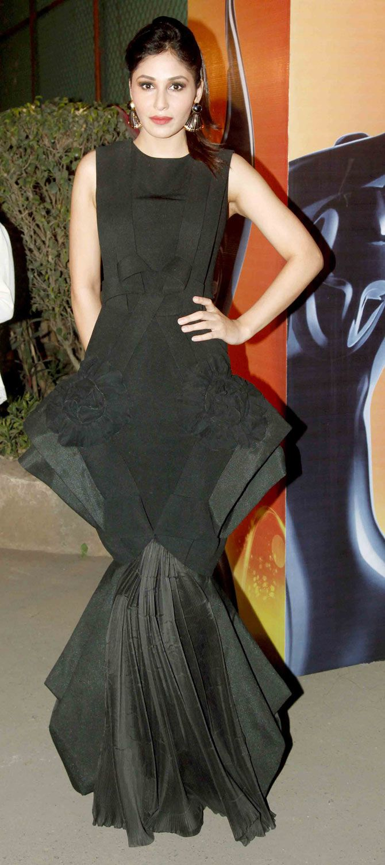 Pooja Chopra arriving at the 60th Filmfare Awards 2014. #Bollywood #Fashion #Style #Beauty