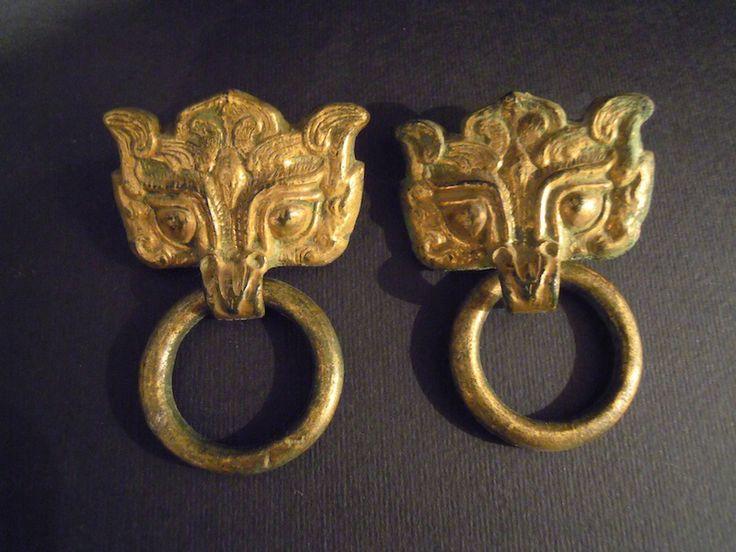 Battenti In Bronzo  Battenti in bronzo dorato, Cina, #Han Dynasty. 6 cm.  www.arte-orientale.com