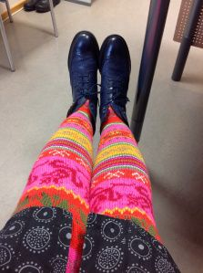 Muhulaissukkani over-the-knee socks! Unfortunately, only the photo to inspire (no pattern). But look at those colours :::sigh:::. http://puikkomaisteri.com/2013/10/29/epavarmuutta/