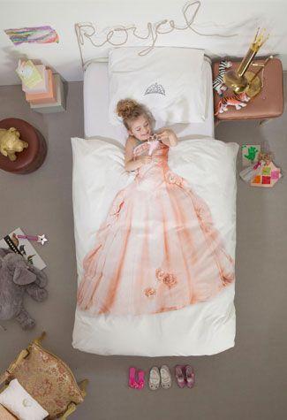 Zoek jij voor jouw kleine prinsesje een prinsessen dekbedovertrek? Wij laten jou weten waar je de leukste kunt scoren!