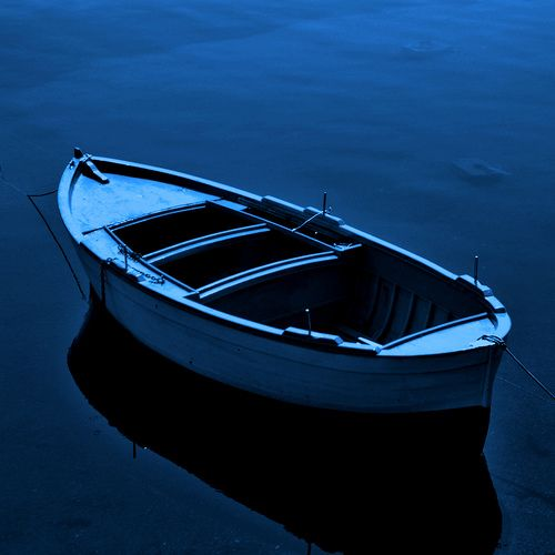 mooredBleu, Ink Blue, Blue Boats, Boats Bath, Crystals Colours, Colors Blue, Row Boats, Canoes, Boats Blue