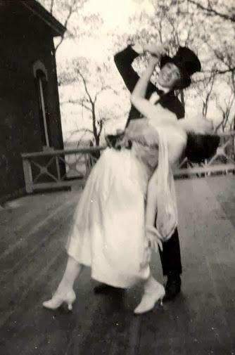 Homo History: A Vintage Lesbian Wedding