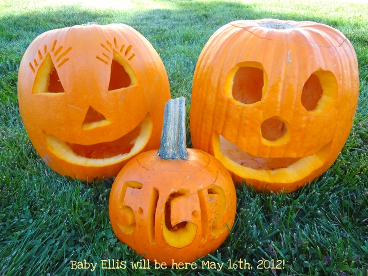 Halloween pregnancy reveal.  Come into Stork 4D Imaging Studio for our gender session at only $39!!  www.storksnapshots.com