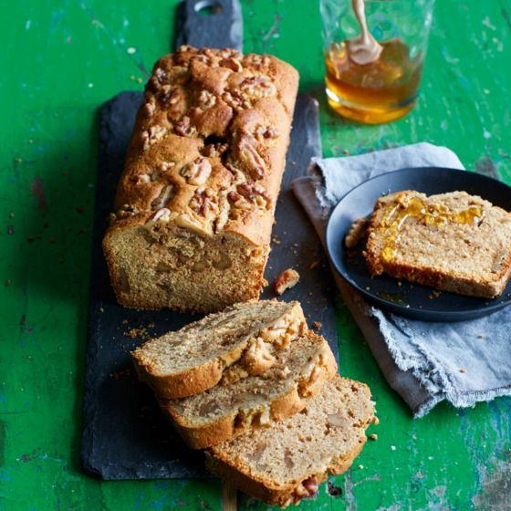 Cake met honing en walnoten