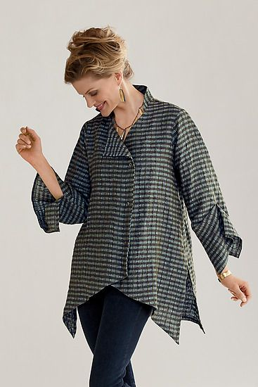 Linen New Moon Shirt: Lynn Mizono: Linen Shirt - Artful Home. $525... or make it yourself with the similar Vogue pattern for considerably [!!] less.