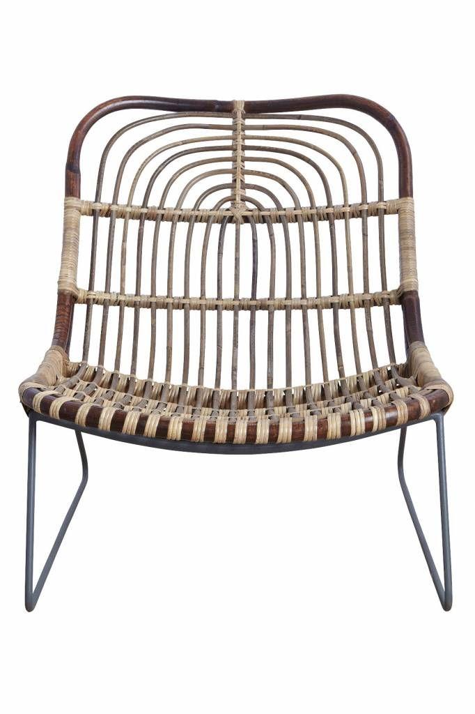 Wat een blikvanger! Deze Kawa rotan stoel van het deense woonmerk House Doctor staat geweldig in elk interieur. Stevig omdat de stoel is gemaakt van metaal en rotan. Combineer hem met andere House Doctor meubels..