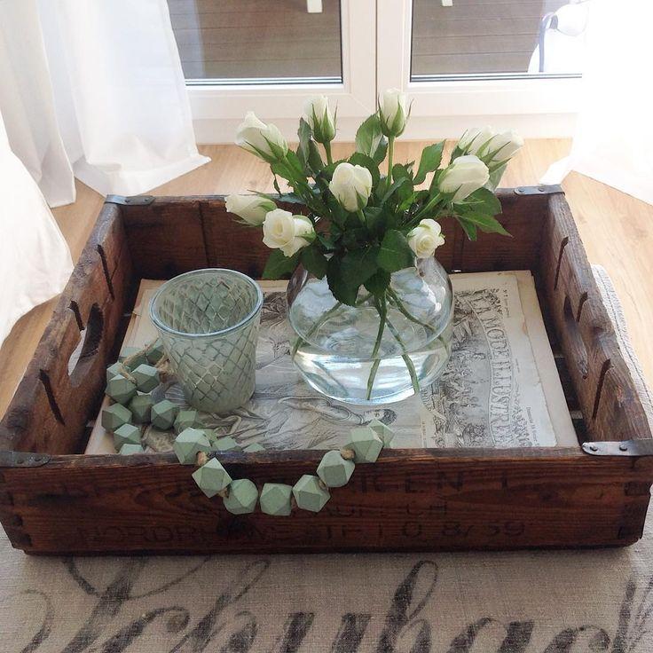 Guten Morgen☕️,ich wünsche euch einen schönen Feiertag,ich habe heute Abend leider Nachtdienst. #ichliebemint #lantligt #lantliv #scandinavianhome #wohnkonfetti #weiß #white #wohneninweiss #blanc #frenchnordic #solebich #depot #flowers #roses #rosen #shabbychic #shabby #vintage #germaninteriorbloggers