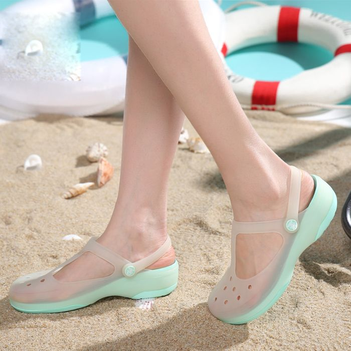 Summer Women Mules Clogs Summer Beach Breathable Slippers Woman's Sandals Jelly Shoes Cute Discolor Garden Shoes Clog For Woman