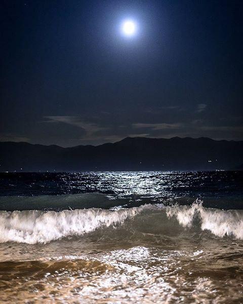 MOONLIGHT beach wave ocean amazing
