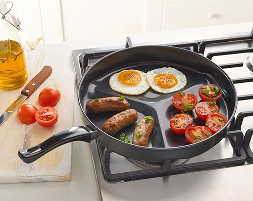 3 WAY DIVDER PAN  Easy to cook 3 items without mixing the food flavours. Saves on using multiple pans. Carbon steel. H4 x diam. 30cm. Black
