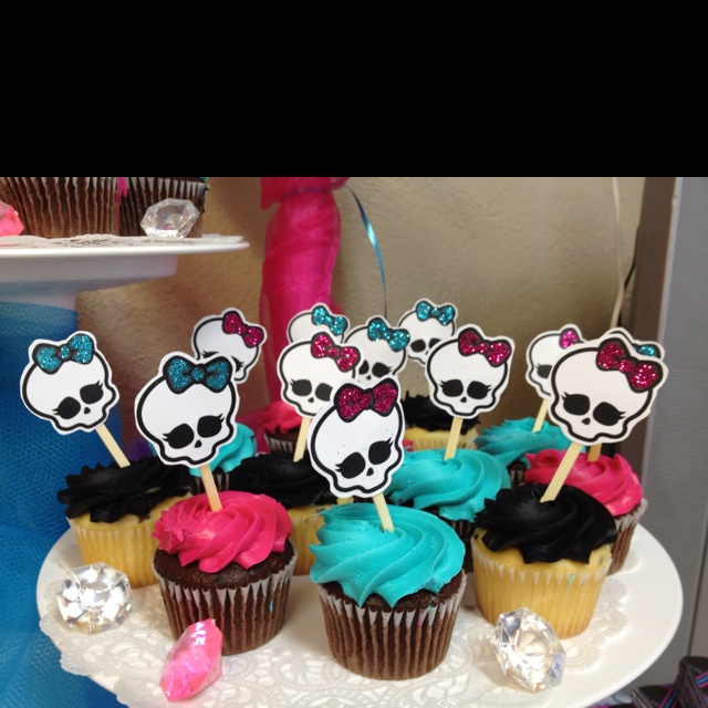 My Monster high cupcake toppers