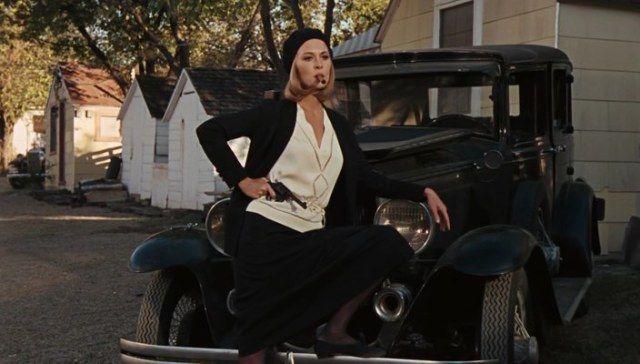 "Beautiful Faye Dunaway in Bonnie and Clyde (1967). Costume Design by Theadora van Runkle / Прекрасная Фэй  Данауэй в ""Бонни и Клайд"" (1967). Художник по костюмам Теадора ван Ранкл #oldgoodmovies #style #styleinspirations #vinage #moviestars #FayeDanaway  #кинораньшеговремени #стиль #мода #винтаж #смотриивдохновляйся #кинозвёзды #ФэйДанауэй"