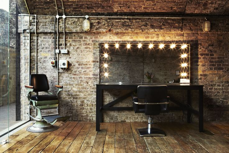 MAKEUP STUDIO. SHOOTFACTORY: photographic studios / Rail one, London e2