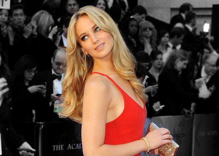 Jennifer Lawrence Red Dress Photo