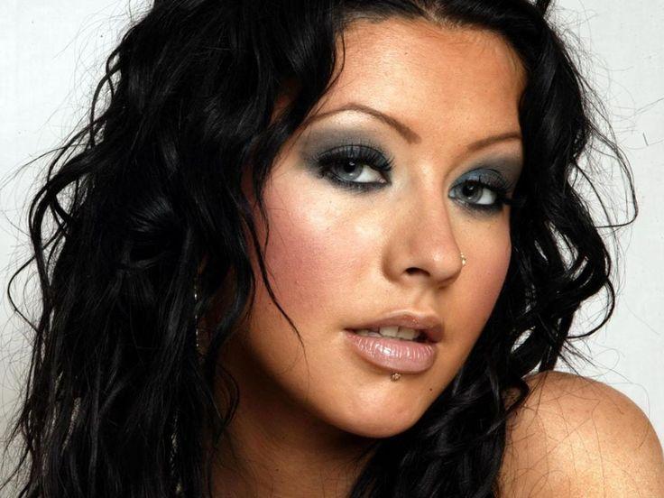 christina aguilera dark hair | Beautiful Christina Aguilera in Black Hair