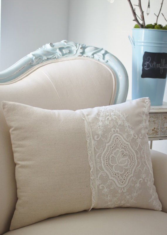 Vintage French cutwork embroidery pillow w/cream rose medallion design