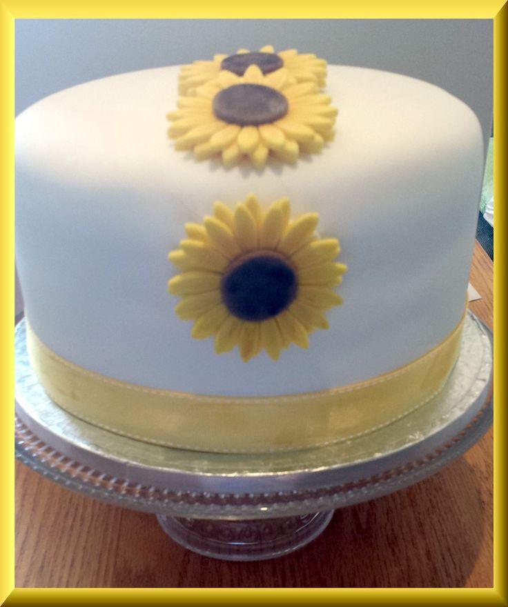 Sunflower vanilla cake