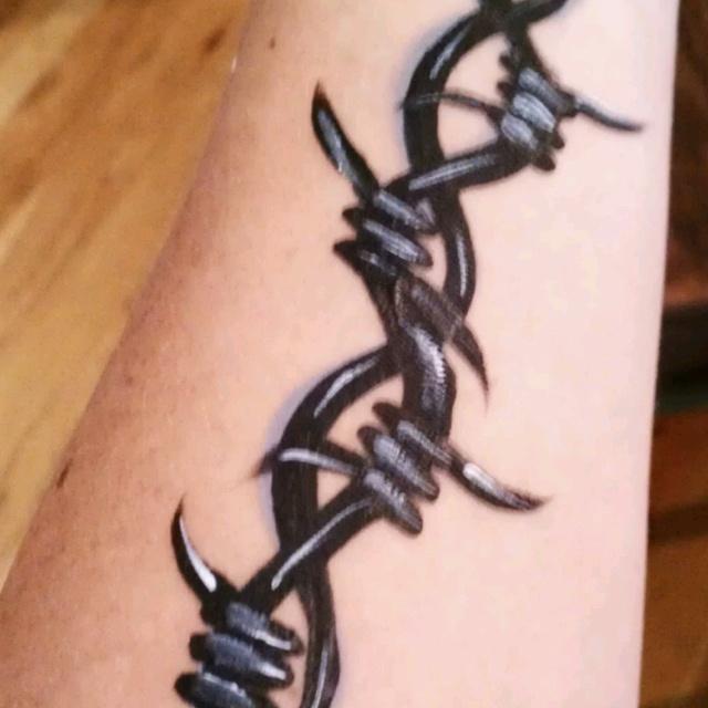 Barbwire tattoo (face paint style). Jennifer Kupcho www ...