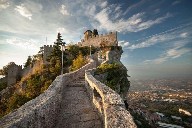 San Marino queda en el centro de Italia