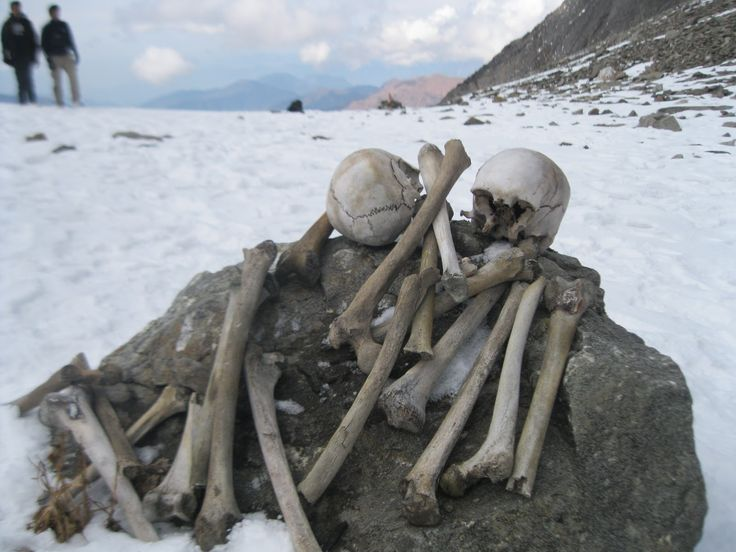More popularly known as Skeleton Lake or Mystery Lake, the spine-chilling attraction of this lake is the 600 odd human skeletons that were discovered here.  These date back to the 9th CE and are clearly visible at the bottom of the shallow lake when the snow melts. The locals believe that this entourage had earned the fury of the local deity, Latu, who sent a terrible hailstorm their way, which eventually killed them. #boutindia #travel #Roopkund #lake #trek #roopkundlake #himalayas #Tour