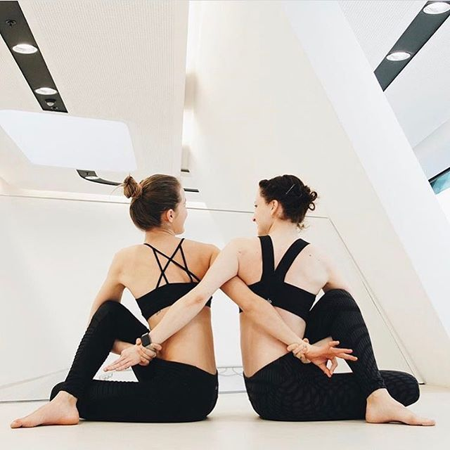 Double trouble  @sarahticha and @zgung are featured in our Goddess Bra & Moto Legging and our Paddle Fast 2 Bra & Airbrush Legging. #aloyoga #beagoddess