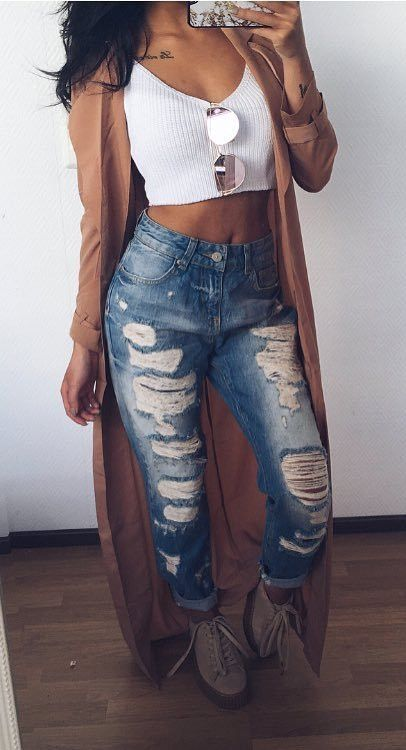 trendy outfit idea crop top + rips