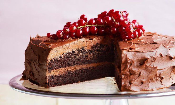 Chokoladekage med friske bær opskrift | Dr. Oetker
