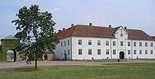 Børglum Kloster, Jylland - er en tidligere kongsgård, kloster og hovedgård, der stammer fra begyndelsen af det 12. århundrede. Bygningen i sin nuværende form er fra ca. 1220. Klostret tilhørte præmonstratenserordenen (de hvide brødre) indtil reformationen i 1536. Ved reformationen blev klostret inddraget af kronen og forlenet til adelsmænd og gejstlige. Den sidste katolske biskop var Stygge Krumpen.