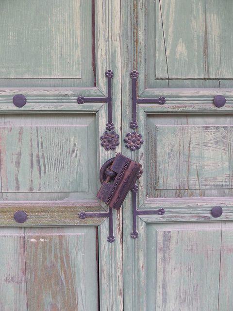 Door Lock at Changdeokgung Palace  Seoul