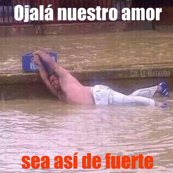 No hay muestras de amor más puro y sincero.  .  #AmorEs #YoEnElAmor #Cerveza #TrueLove #Amor #AmorVerdadero #rio #lluvia #chiste #humor #lol #SrElMatador #Corona #Pilsener #ElSalvador .