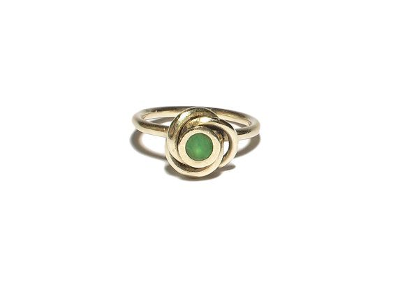 Zilveren ring met groene agaat steen in spiraal door JackysJewels