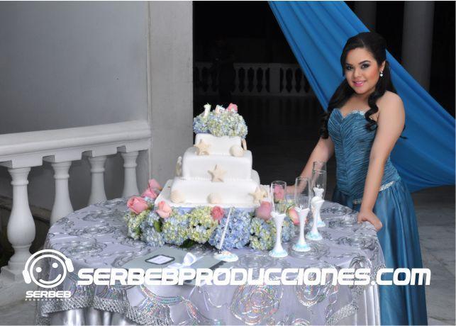 Torta decorada con Hortensias http://serbebproducciones.com/
