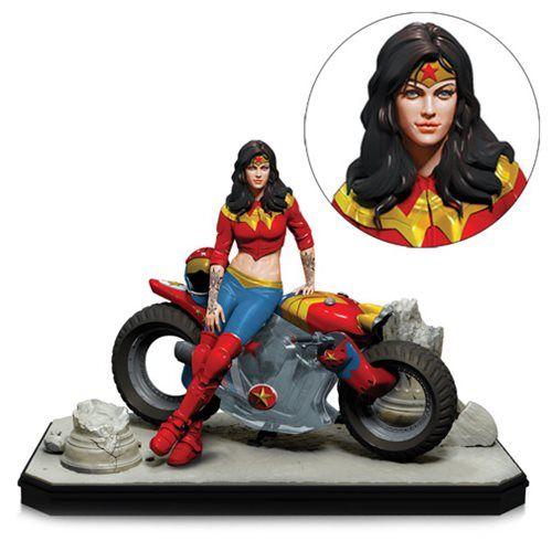 Gotham City Garage Wonder Woman Statue Dc Collectibles