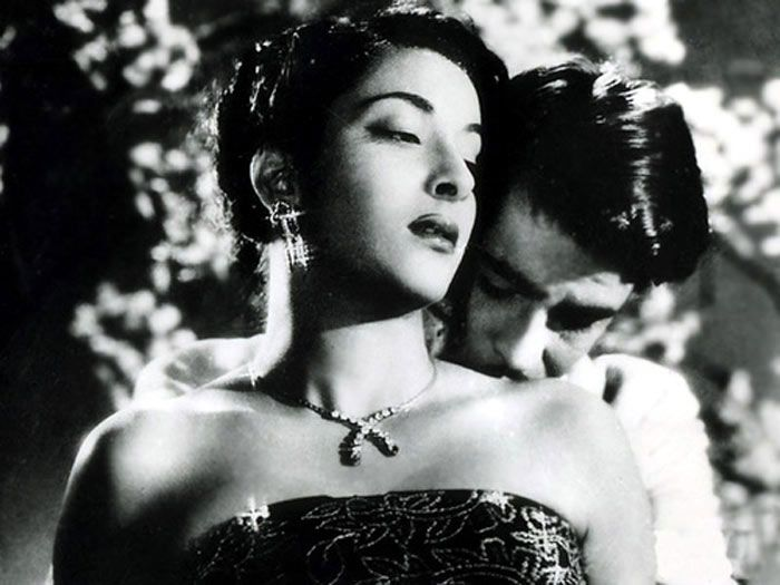 Indian cinema @100: 20 Rule-breaking female Actors (Nargis here) via NDTV.com  ... #bollywood
