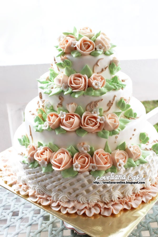 how to make frosting wedding cake 4 tier wedding cake frosting steam buttercream 15949