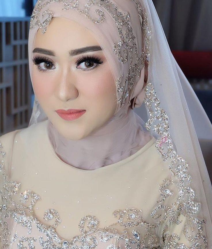 Muslim bride in dusty purple and silver so pretty! . Make up by: @petty_kaligis Hijab by: @usti_nurul Wardrobe by: @qonitagholib_official . tag us to inspire sisterfillah with #tbswedding ✨ . #thebridesisters #sisterreminder #sisterfillah #tbs #tbswedding #bridesisters #islamicquotes #muslimweddinginspiration #haadist #alquran #sunnah #pernikahanmuslim #islam #hijabibride #hijabbride #hijabbridesmaid #muslimbride #muslimbridesmaids #muslimwedding #moslemwedding #modestbride #hijabwedding...