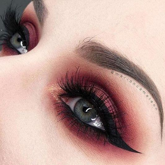 Cranberry Smokeshow - Cool Girl Eyeshadows Worthy of a Beautiful Bedroom Eye - Photos