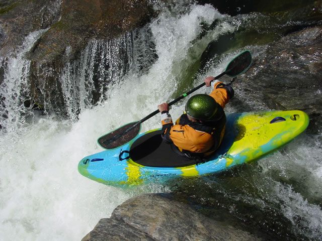 Extreme Whitewater Kayaking | There are 4 subcategories of whitewater kayaking: river-running ...