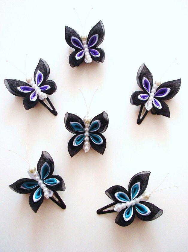 Nette Schmetterlings-Haarclips aus Organza und Satin, die im Kanzaschi-Still gearbeitet sind. Jede Befestigung Ihrer Wahl (Brosche, Haarnadel, Haarklammer usw.) oder auch jede Farbkombination sind...
