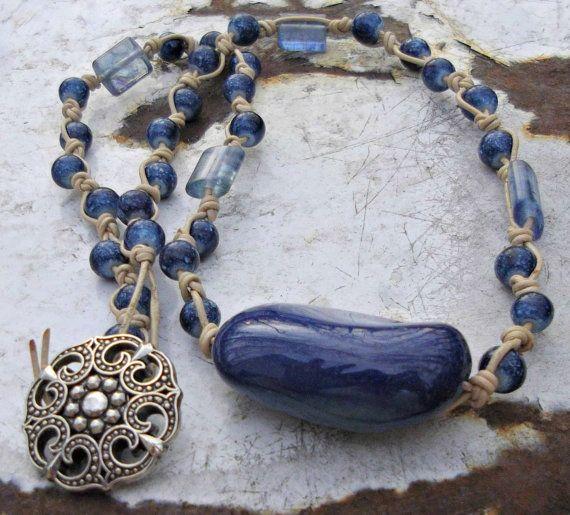 Hand gevlochten leder blauwe glazen kralen door designsbysusandbs