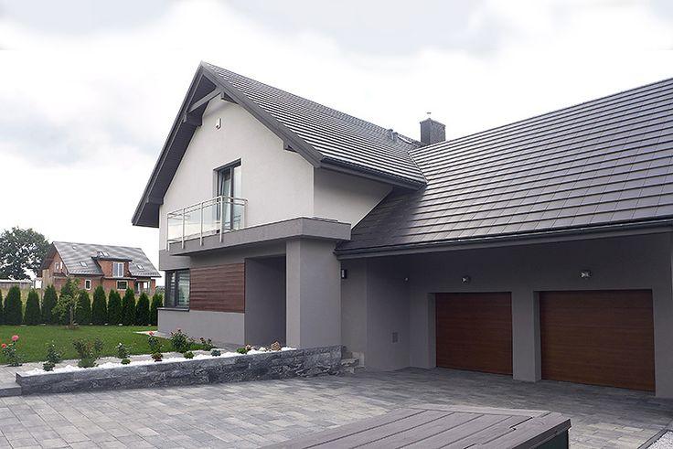 Realizacja projektu Jaspis 3 (220,50 m2). Pełna prezentacja projektu jest dostępna na stronie: https://www.domywstylu.pl/projekt-domu-jaspis_3.php. #jaspis3 #domywstylu #mtmstyl #projekty #dom #domy #projektdomu #projektydomow #projektygotowe #budujemydom #architektura #architecture #design #moderndesign #newdesign #realizacja #wnetrza #insides #interiors #house #home #housedesign