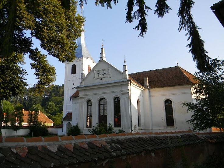 Biserica Reformată-Calvină(construită la începutul sec. al XIV-lea, reconstruită în stil gotic în sec al XV-lea) Biborțeni/Biborcfalva forma actuală datează din 1897