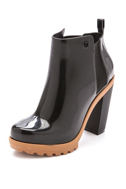 31 Stylish Rain Boots You'll Want To Wear Rain or Shine #refinery29  http://www.refinery29.com/fall-rainboots#slide23