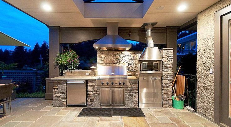 Cool Outdoor Barbeque Area 2014 Image