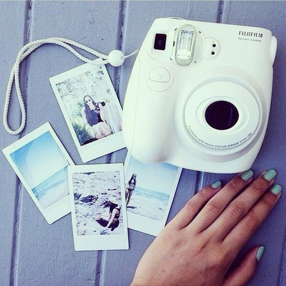Fuji film mini 8 White Polaroid camera perfect condition used only once or twice Other