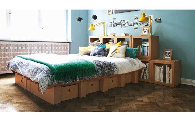 Diese Shops bieten nachhaltige und günstige Möbel aus Pappe an: Stange Design, Pappcultur, Von Pappe und Room in a Box.