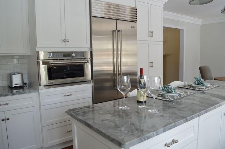 GE Advantium oven and Subzero refrigerator 42-inch #subzero #GEappliances
