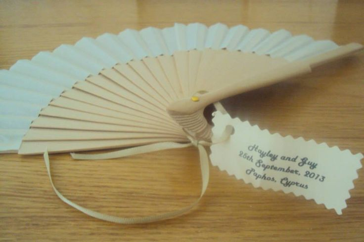 Fans as wedding favours for a wedding abroad  Cyprus wedding #weddingfavours #wedding #weddingabroad