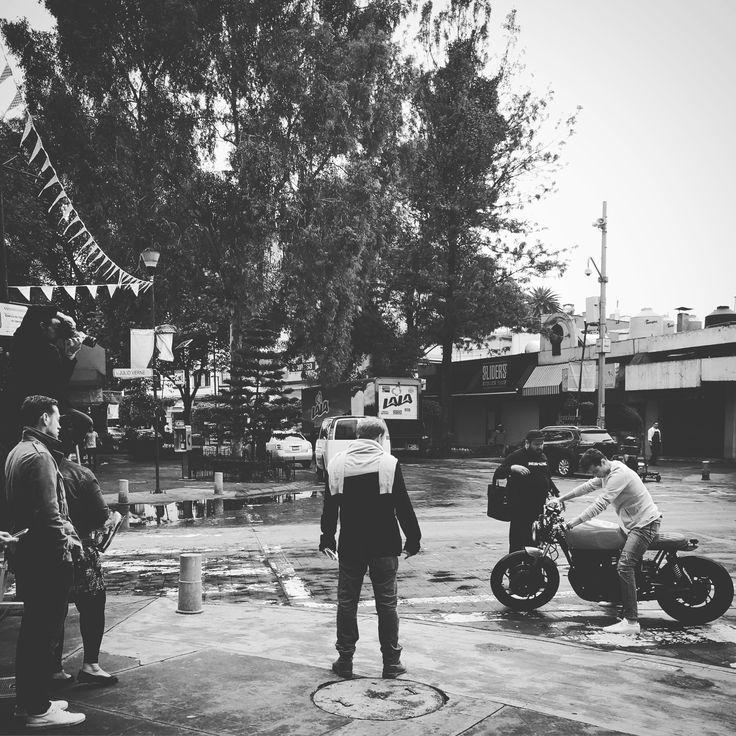 #RCMotoGarage #Shooting #caferacer #caferacergram #caferacerstyle #caferacerdreams #caferacerxxx #caferacerporn #caferacerworld #caferacerculture #caferacersofinstagram #caferacerlife #caferacerproject #motoretteclub